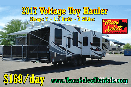 02017 Dutchmen Voltage Toy Hauler  Round Rock, TX