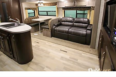 02017 Winnebago Ultralite  Marysville, WA