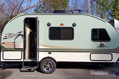 "02016 Forest River R-Pod 180 ""MINI ME""LIVE, LOVE, AND GO CAMPING!!  Marietta, Ga"