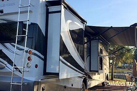 02013 Thor Motor Coach Challenger  Panama City Beach, FL