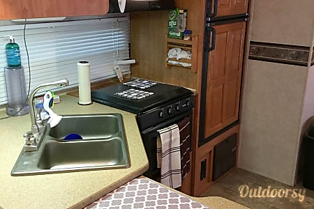 02008 Forest River Rockwood Signature Ultra  Lothian, MD