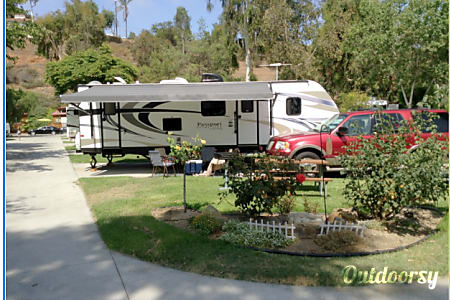 02014 Keystone Grand Touring Passport Ultra Lite  Santa Ana, CA