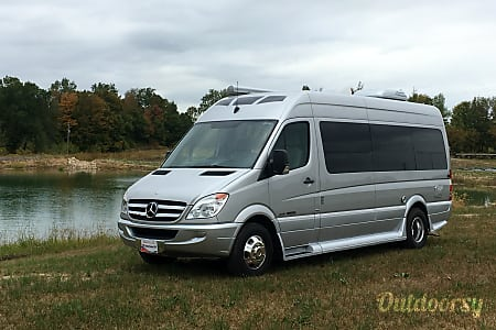 02014 Mercedes-Benz Roadtrek CS adventure  Flowery Branch, GA