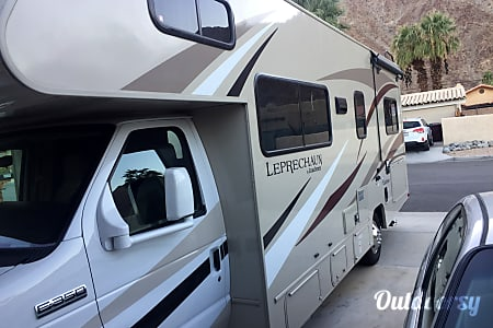 02016 Coachmen Leprechaun  Indio, CA
