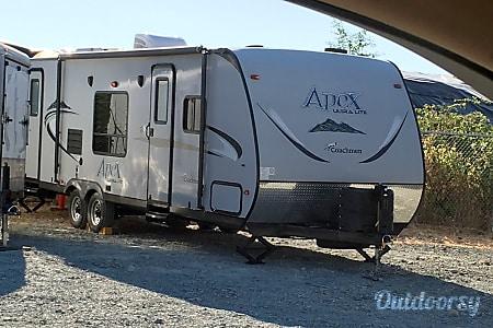 02015 Coachmen Apex  Victoria, BC