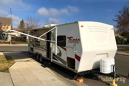 02008 Pacific Coachworks Tango 299BHS  Clovis, CA