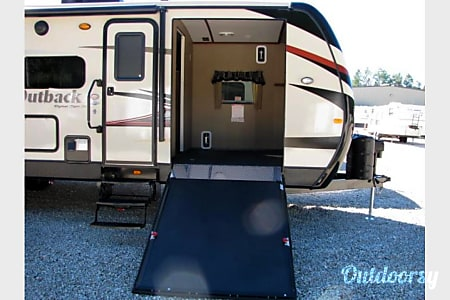 02015 Keystone Outback 310 TB (w/convertible bunkhouse)  Meridian, ID