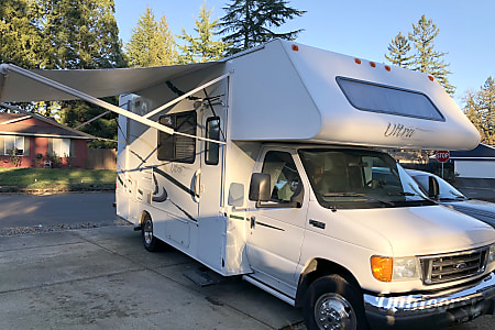02005 Gulf Stream Ultra Family Vacation Home On Wheels! I Respond Within Minutes!  Vancouver, WA