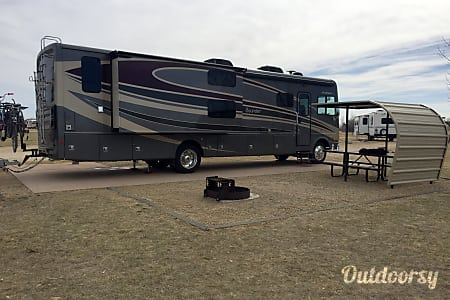 02016 Fleetwood Bounder  Littleton, CO