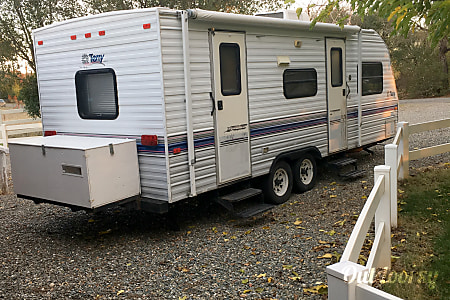01996 23' Perry Travel Trailer  Red Bluff, CA