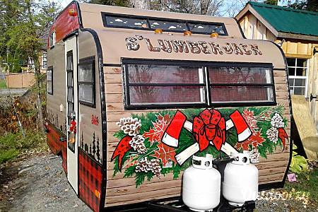 0The S'Lumberjack Vintage Camper  Caroga Lake, NY