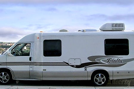 02002 Winnebago Rialta QD 17-20 Guaranteed MPG!  Yucaipa, CA