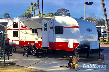 02018 Head Turning Retro Trailer! Winter special only $95!  Laguna Niguel, CA