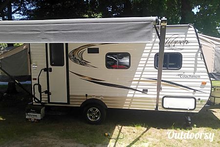 02016 Coachmen Clipper  Dudley, MA