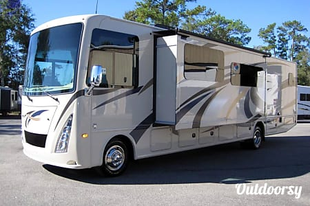 02017 Thor Motor Coach Windsport  Austin, TX