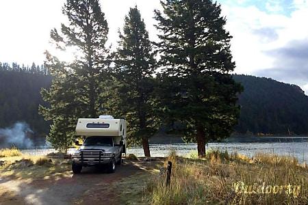 01994 Cascade Big Sky Series Camper on 1996 Dodge Ram 2500 4WD Truck  Bozeman, MT