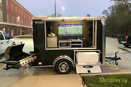 02015 Horton Hauler Towable Tailgate Trailer  Spring, TX