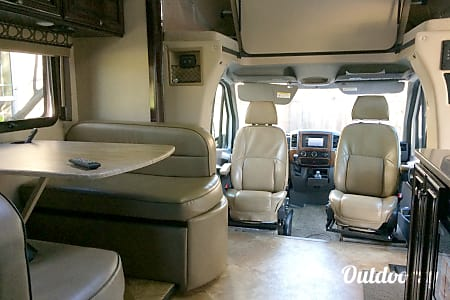 02017 Thor Motor Coach Citation  Sacramento, CA