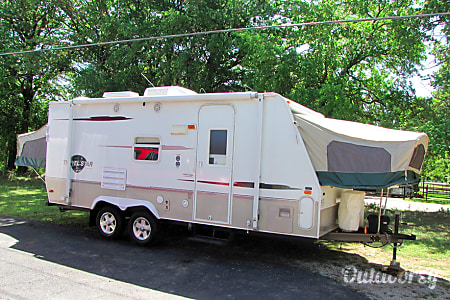 02006 Starcraft Travel Star Sleeps 7-8  Windsor, CO