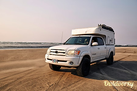 0Caballo Blanco: Toyota Tundra 4x4 + Phoenix Pop-up Camper  Portland, OR