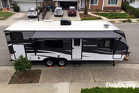 02017 Kingstone Springdale 26 Ft Travel Trailer  Campbell, CA