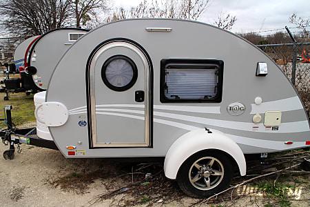 """0T@G MAX XL """"Belle"""" - Silver/White  Round Rock, TX"""