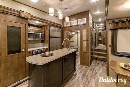 02016 Coachmen Brookstone  Bakersfield, CA