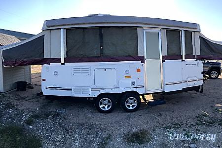02008 Fleetwood Avalon  Bertram, TX