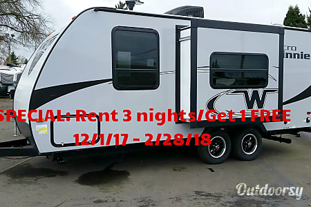 0WINNEBAGO MICRO MINNIE 2106FBS  Junction City, OR