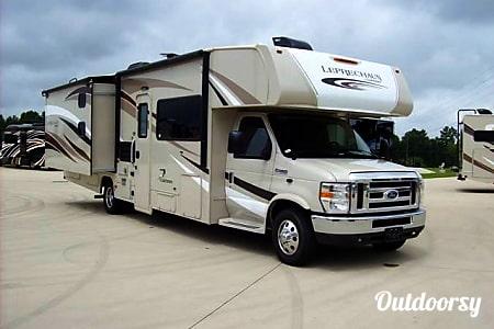 02017 Coachmen Leprechaun Bunkhouse - BG1  Spicewood, TX