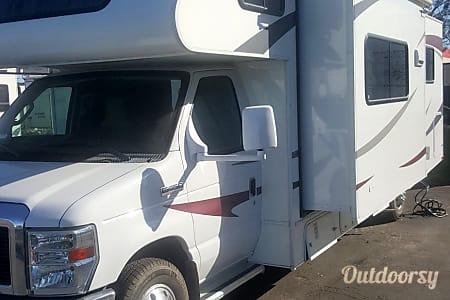 02011 Coachmen Freelander 29QB  CORONA, CA