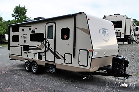 02018 Forest River Rockwood Mini Lite 2509S  Mansfield, MA