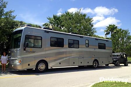 0Spring Break Special!  2006 Fleetwood Bounder  Miami, FL