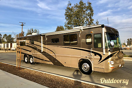 02003 Country Coach Intrigue 42  Fontana, CA