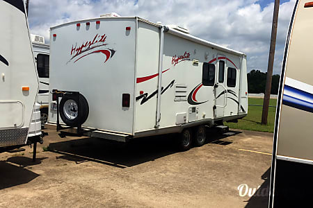02008 Frontier 21rb Lge Bath/1slide - Hyperlite  Cedar Hill, TX