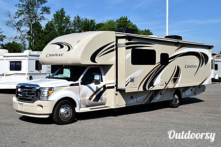 02016 Thor Motor Coach Chateau  Starkville, MS
