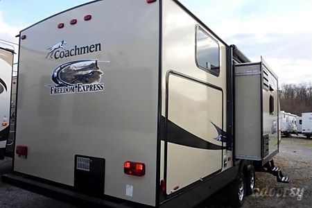 02013 Coachmen Freedom Express  Iva, SC
