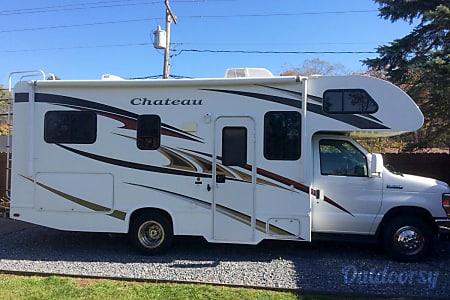 02012 Thor Motor Coach Chateau  Bethany, CT