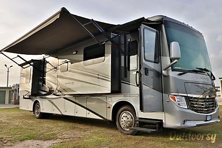 0Ventana 40' Class A Diesel - Sleeps 5  Riverview, FL