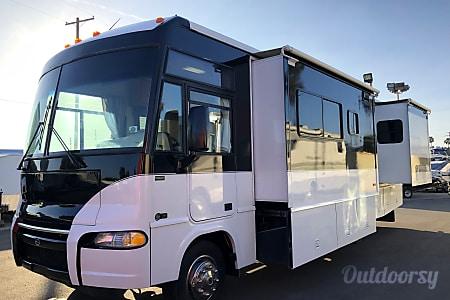 0Itasca Sunrise  30ft Class A w/ 2 Slideouts  Marina Del Rey, CA