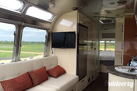 02016 Airstream International serenity  Brenham, TX