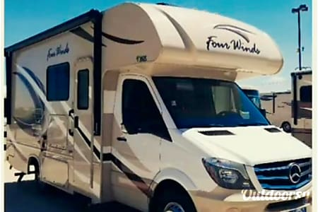 02018 Thor Motor Coach Four Winds  Mission, TX