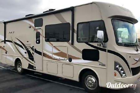 02015 Thor Motor Coach A.C.E  Menomonee Falls, WI