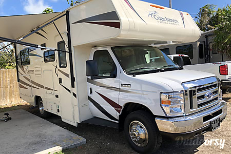 0JUST ARRIVED and is Ready to Travel - Sleeps 6 - Class C - 24'  Miami, FL