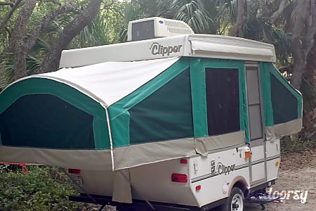 02005 Coachmen Clipper Pop Up Camper  Tampa, FL