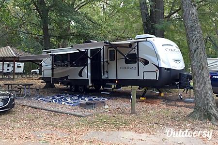 02018 Keystone Cougar 34TSB  Bartlett, TN