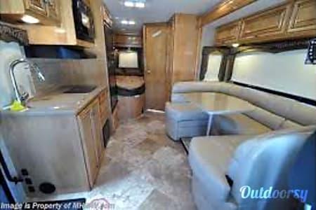 02014 Thor Motor Coach Chateau Citation  Columbia, MO