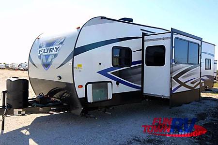 02018 Prime Time RV Fury 2910 Toy Hauler  New Braunfels, TX