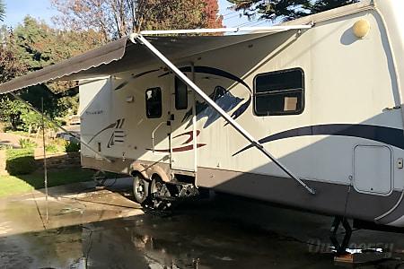 02006 Frontier 33rls  Whittier, CA