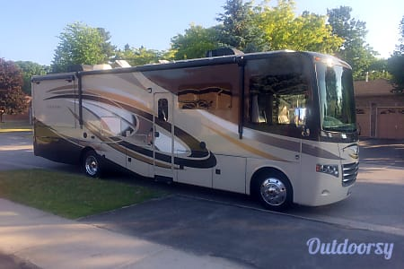 02015 Thor Motor Coach Miramar  Orillia, ON
